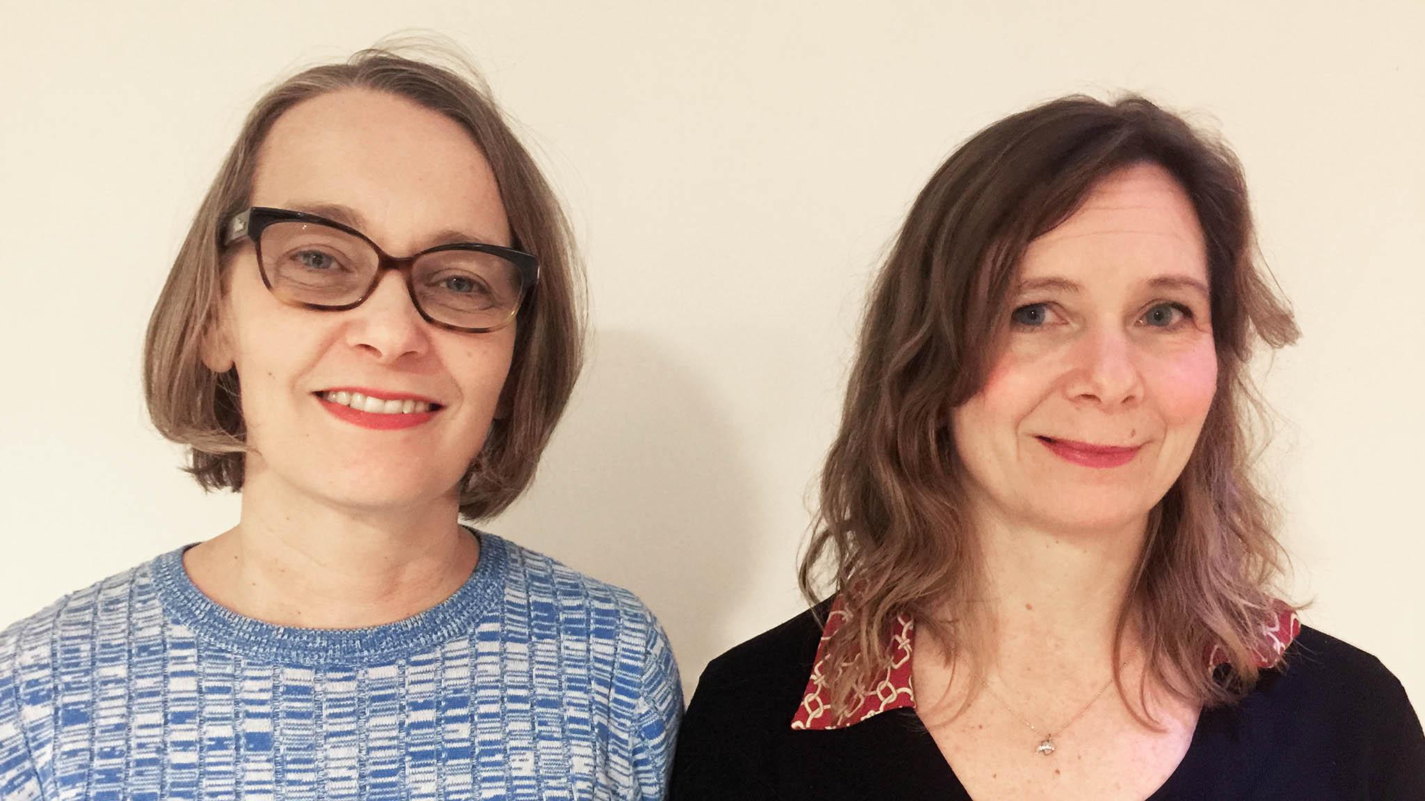 Nina Frid och Susanna Höijer är litteraturhandläggare på Kulturrådet. De arbetar med stödet Stärkta bibliotek. Foto: Kulturrådet